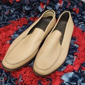 EUC Donald Pliner tan  loafers 10